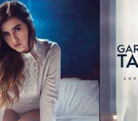 Sofia Oliveira faz lançamento duplo Garotas Não Mordem